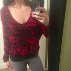 Kensie Black & Red Hi-Lo Zebra Style Blouse